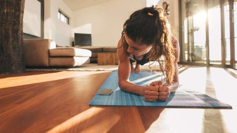 Faites-votre-sport-a-la-maison-quelques-idees-de-workouts-a-pratiquer-chez-soi-